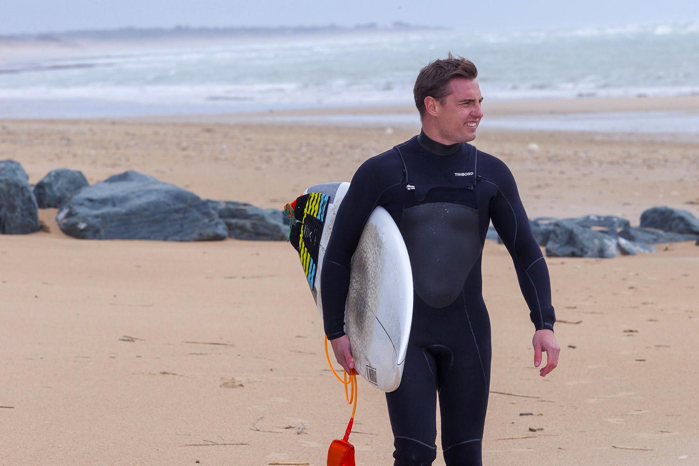 Romain Gravigny : Je peux te réveiller à trois heures du mat' pour aller surfer...